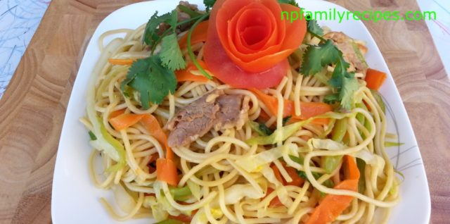 Stir Fry Spaghetti with Pork (Mì Ý Xào Thịt Heo)