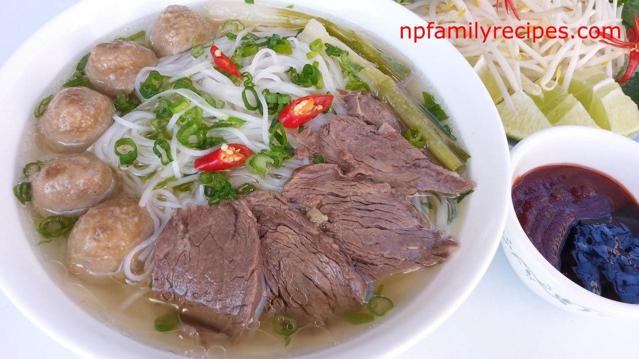 Vietnamese Beef Noodle Soup (Phở Bò) - NPFamily Recipes