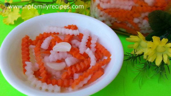 Vietnamese Carrot and Daikon Pickles (Đồ Chua)