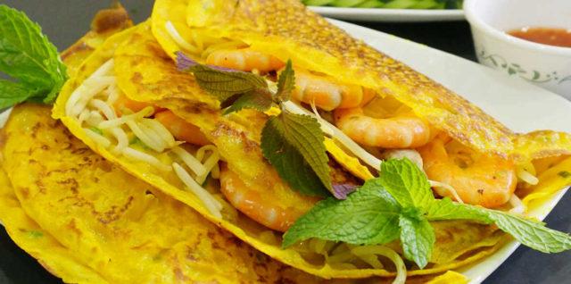 Vietnamese Sizzling Crepe (Bánh Xèo)