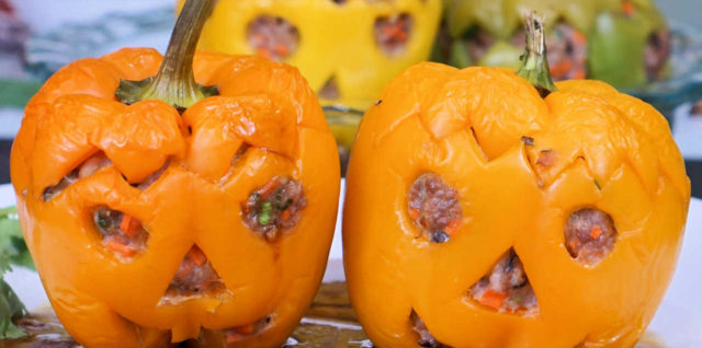 Halloween Jack-o'-lantern – Stuffed Bell Pepper with Oyster Sauce