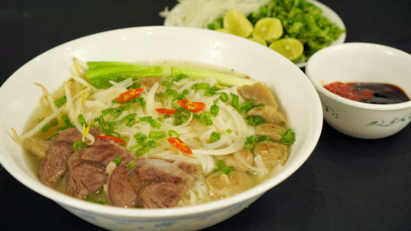 Vietnamese Beef Noodle Soup (Phở Bò)
