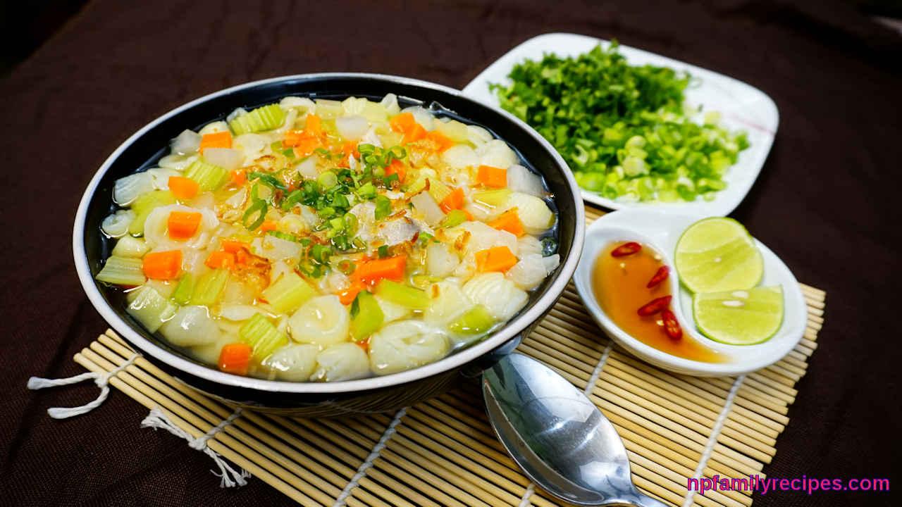 Rice Macaroni Pork Rib Soup (Súp Nui Sườn Heo)
