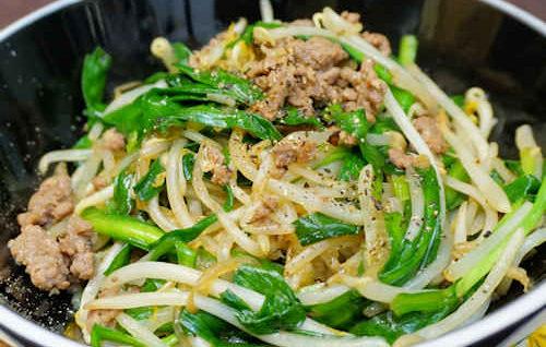 Stir Fry Pork Bean Sprout (Thịt Bò Xào Giá)