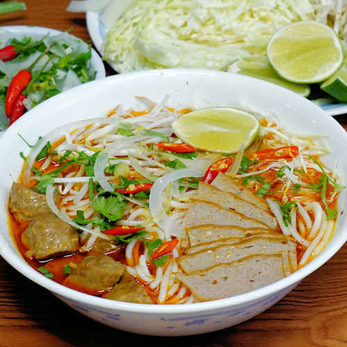 Vietnamese Spicy Beef Noodle Soup Recipe (Bún Bò Huế) - NPFamily Recipes