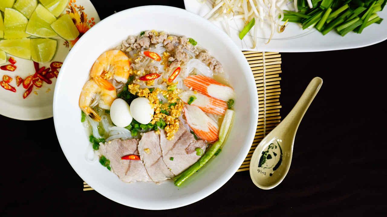 Pork Seafood Clear Noodle Soup (Hủ Tiếu Nam Vang)